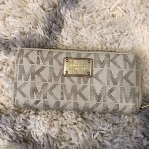 Michael Kors Signature Logo Zip Wallet